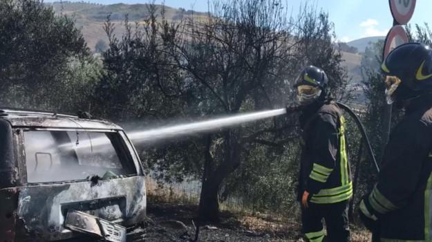 a19, Alcamo, incendio, Trapani, Cronaca