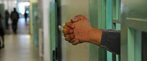 Roma, detenuta lancia figli dalle scale: morta una bimba di sei mesi, grave un altro