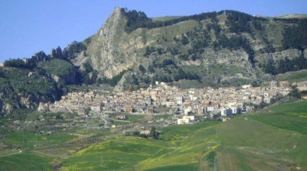 scarcerati dirigenti comunali di Castronovo, Palermo, Cronaca