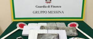 Agli imbarcaderi di Messina con undici chili di cocaina nascosti dentro l'auto, arrestato un calabrese