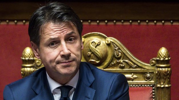 caso diciotti, governo conte, migranti, nave diciotti migranti, Giuseppe Conte, Sicilia, Politica