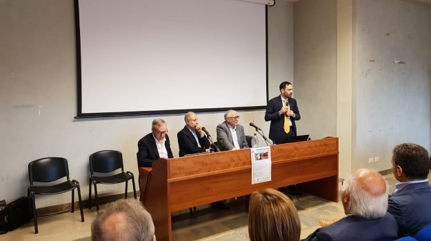 legge 104, Messina, Economia
