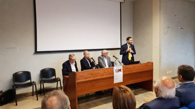 legge 104, Messina, Economia