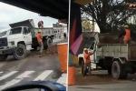 Lo strano comportamento dei dipendenti dell'azienda elettrica non sfugge a un passante