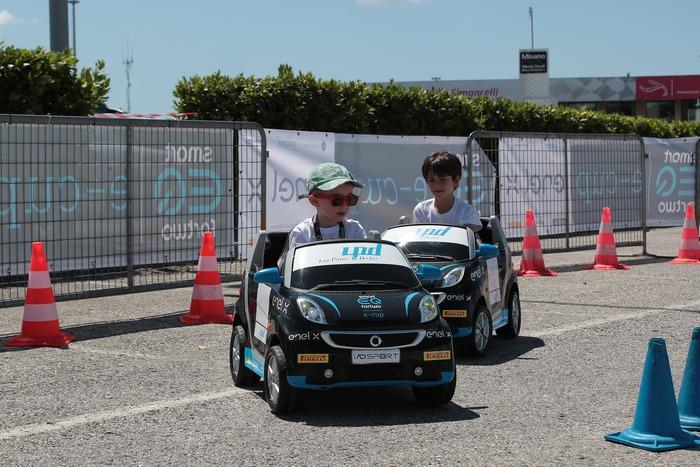 Circuito Vallelunga : Il rinnovato autodromo di vallelunga ospita l ultimo round della
