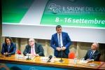 Il ministro Centinaio inaugura il Salone del Camper a Parma