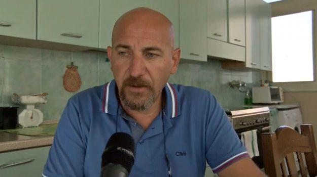 """Ascensore impazzito, barella in attesa: """"Così è morta mia sorella in ospedale"""". Indagini a Palermo"""
