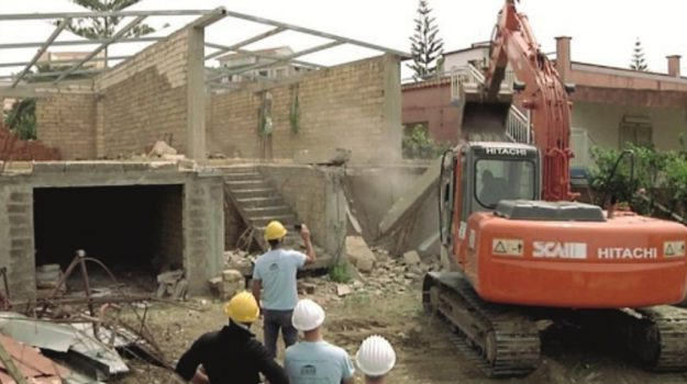 abusivismo edilizio Licata, demolizioni licata, Agrigento, Cronaca