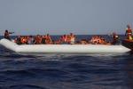 Migranti: per il 70% degli italiani azioni Ue insufficienti