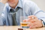 Fumo e alcol, il mix di due fattori di rischio per la salute