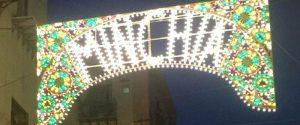 """Scritta """"minchia"""" su una luminaria a Palermo, l'imprenditore: """"Pagata con soldi propri"""""""