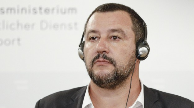 diciotti, incontro Salvini Berlusconi, Lega, migranti, voli charter migranti, Matteo Salvini, Silvio Berlusconi, Sicilia, Politica