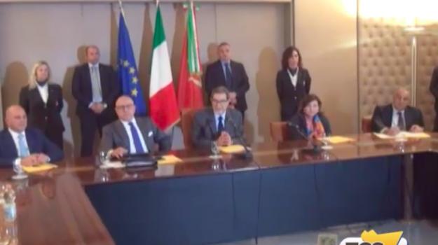 "Musumeci porta la giunta regionale ""in ritiro"" lontana dai riflettori"