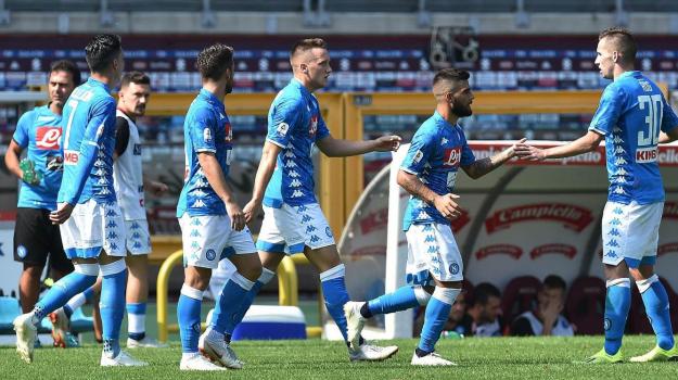 Serie A: vola il Napoli, crisi Roma, al Milan non basta Higuain