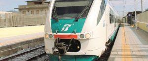 """Treni in Sicilia, pendolari all'attacco: """"Oltre 34 ore di ritardo in un solo giorno"""""""