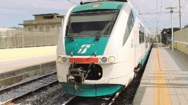 Linea Palermo-Agrigento, Treni Palermo-Agrigento, Sicilia, Economia