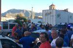 Palermo, sperona le auto in sosta dopo essere stato multato: caos in piazza XIII Vittime