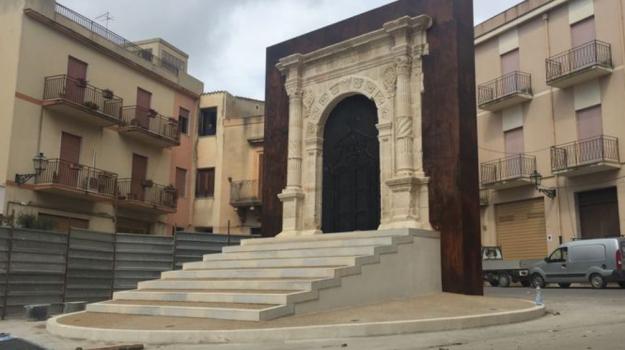 Portale in pietra Sambuca, Agrigento, Cultura