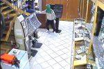 Siracusa, rapinarono e picchiarono un gioielliere: dopo due anni arrestati tre giovani