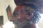 """La statua di San Filippo ad Agira """"suda"""", i fedeli gridano al miracolo"""