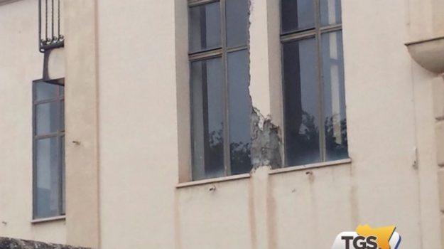 Crollano calcinacci, chiusa la scuola Savio di Palermo