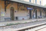 Donna morta dopo essere stata investita da un treno a Bagheria, circolazione ferroviaria sospesa per ore
