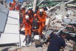 Terremoto e tsunami in Indonesia, sale il bilancio delle vittime: sono almeno 832