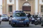 Mette a segno quattro colpi in un mese tra Palermo e Villabate e porta via 8 mila euro: fermato