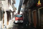 Incendio in casa a Paternò: salva un'anziana, muoiono due cagnolini