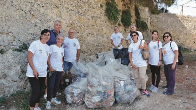 rifiuti sciacca, volontari sciacca, Agrigento, Cronaca