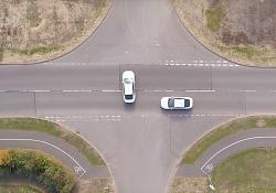 Incroci senza semafori con Intersection Priority Management