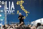 Grillo usa autismo per attaccare politici, scoppia bufera