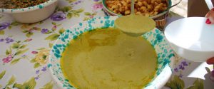 Il macco di fave con finocchietto selvatico e crostini