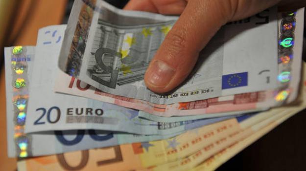 m5s, reddito, salario minimo M5S, Sicilia, Economia