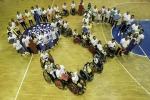 Campioni paralimpici in campo per allenare i bambini disabili