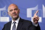 """Manovra, Moscovici gela l'Italia: """"Ok il calo del deficit ma ancora non ci siamo"""""""