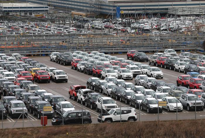 Auto: a settembre immatricolazioni in calo in Europa (-23,4%); Fca -31,4%