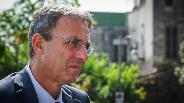 milazzo, ministro ambiente, Sergio Costa, Messina, Politica