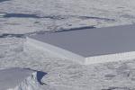 L'iceberg completamente rettangolare fotografato dalla missione IceBridge della Nasa (fonte: NASA)