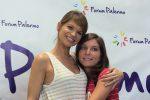 Sorrisi e selfie insieme ai fan: le foto di Alessandra Amoroso a Palermo