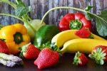 Studio spiega: mangiare frutta e verdure crude aiuta ad allontanare lo stress
