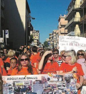 Donne in marcia a Gela per chiedere l'apertura dell'unità di senologia