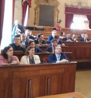 Bagarre in consiglio comunale, a Palermo l'approvazione del bilancio consuntivo rimane al palo