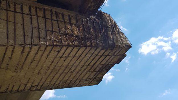 Caltanissetta, viadotto Cannatello sulla A19 in stato di degrado e abbandono: le foto