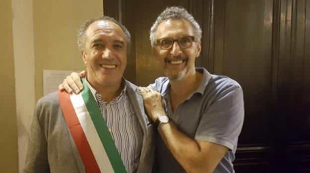 John Turturro a Palermo, John Turturro cittadino onorario di Aragona, John Turturro, Agrigento, Società