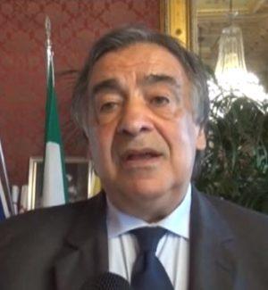 Palermo, tagliola sui dirigenti di Orlando: «Indietro 82 mila euro a testa»