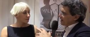 """Malika Ayane torna con """"Domino"""", l'incontro con i fan a Palermo: il mio nuovo disco fatto di pezzi"""