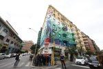 """A Roma il murales """"mangia-smog"""" più grande d'Europa: aria pulita come un bosco di 30 alberi"""