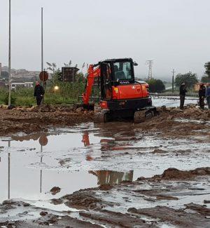 Nubifragio nella Sicilia orientale: strade e case invase dal fango, automobilisti salvati, gente sui tetti