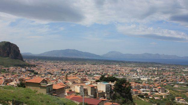 intimidazione autoparco partinico, Palermo, Cronaca